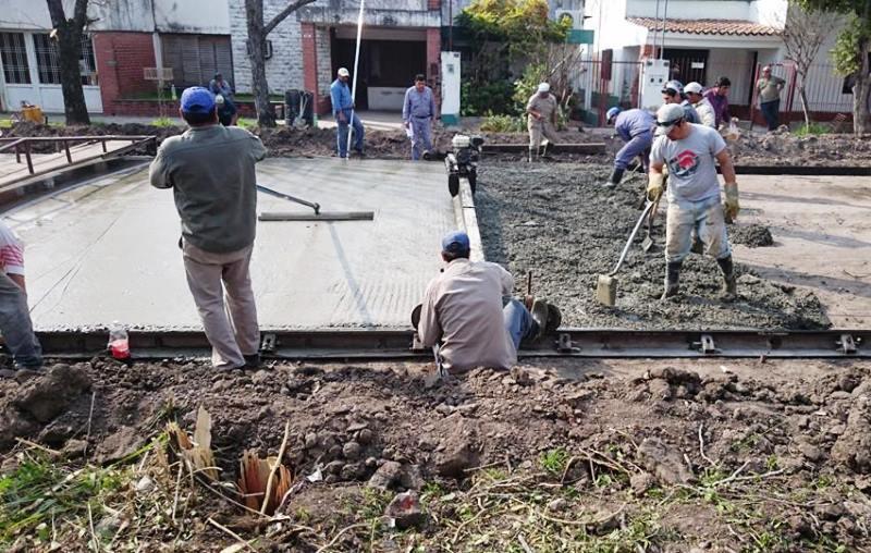 Villa ocampo pavimentan una cuadra m s del b sur for Pavimentos y suministros del sur