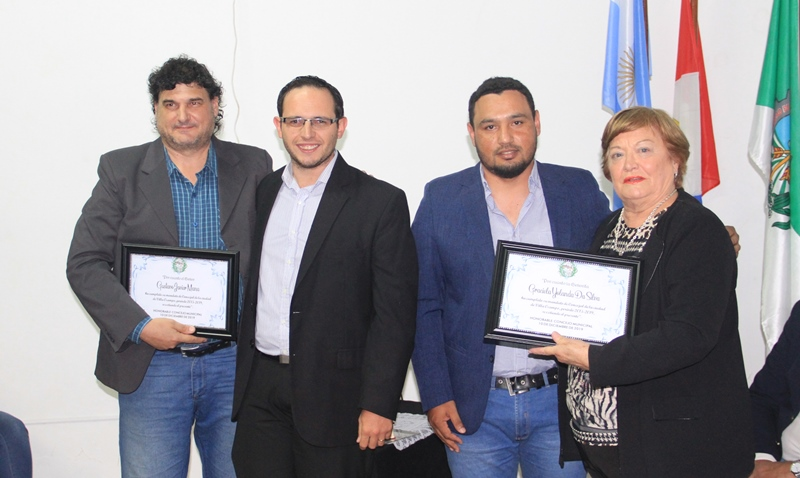 Los ediles salientes, Gustavo Mana y Graciela Da Silva, recibieron un reconocimiento por parte del HCM
